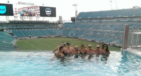 Jaguars fans attend pool party at everbank field - Jacksonville jaguars swimming pool ...