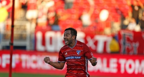 huge selection of c1c6e f0f76 Injuries force FC Dallas forward Carlos Ruiz out of ...