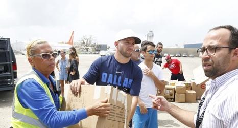 VARIDESK and J J  Barea team up to renovate Puerto Rico