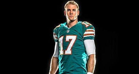 Dolphins throwback uniforms get high marks