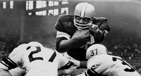 Jim Brown Dating >> On This Date Jim Brown Retires From The Nfl