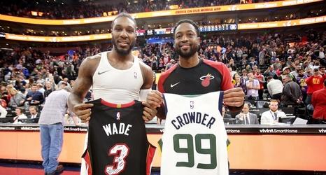 timeless design ee18b d011b Dwyane Wade swaps jerseys with Jae Crowder, gives Kyle ...