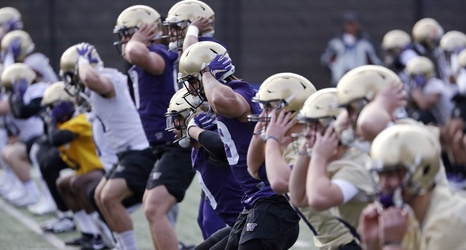 Here Is The Uw Huskies Depth Chart For Saay S Spring Preview At Husky Stadium