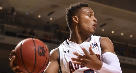 M Basketball Auburn S Bryce Brown Looks To Stay Hot