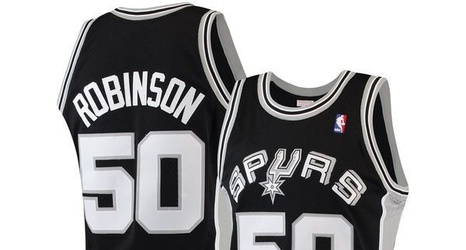 detailed look cc2a6 3d2c7 San Antonio Spurs Christmas Gift Guide: 10 must-have gifts ...