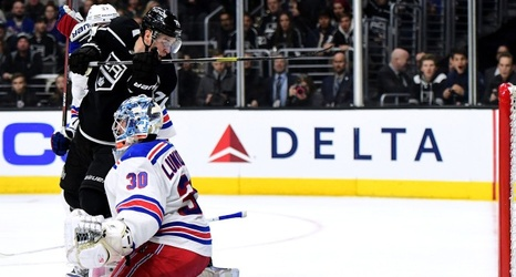 a4d20d5a4 Henrik Lundqvist yanked in Rangers  ugly loss to Ducks